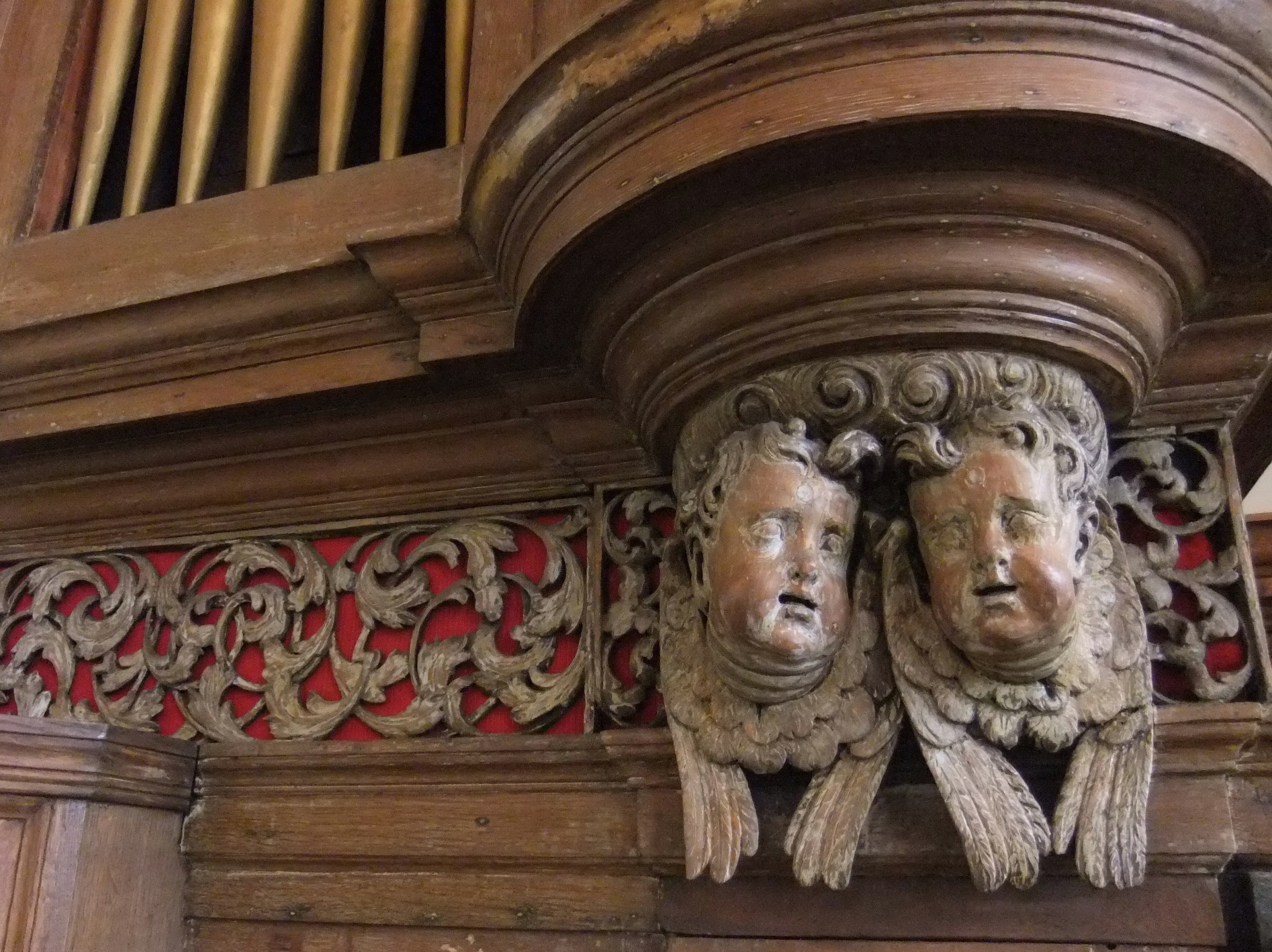 Glos-Bristol-Christ-Church-Broad-Street-case_2613b[1]