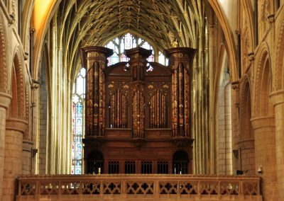Gloucester_Cathedral_organ[1]