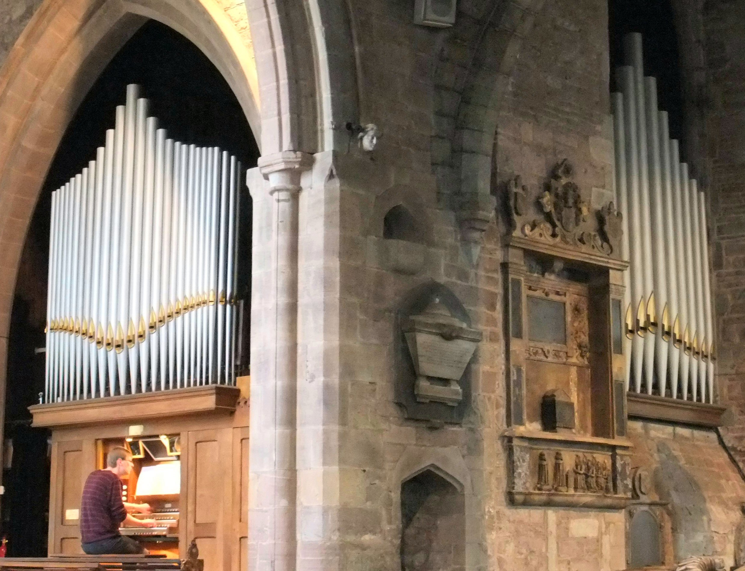 Herefordshire-Ross-on-Wye-St-Mary-pipe-fronts2-2193[1]