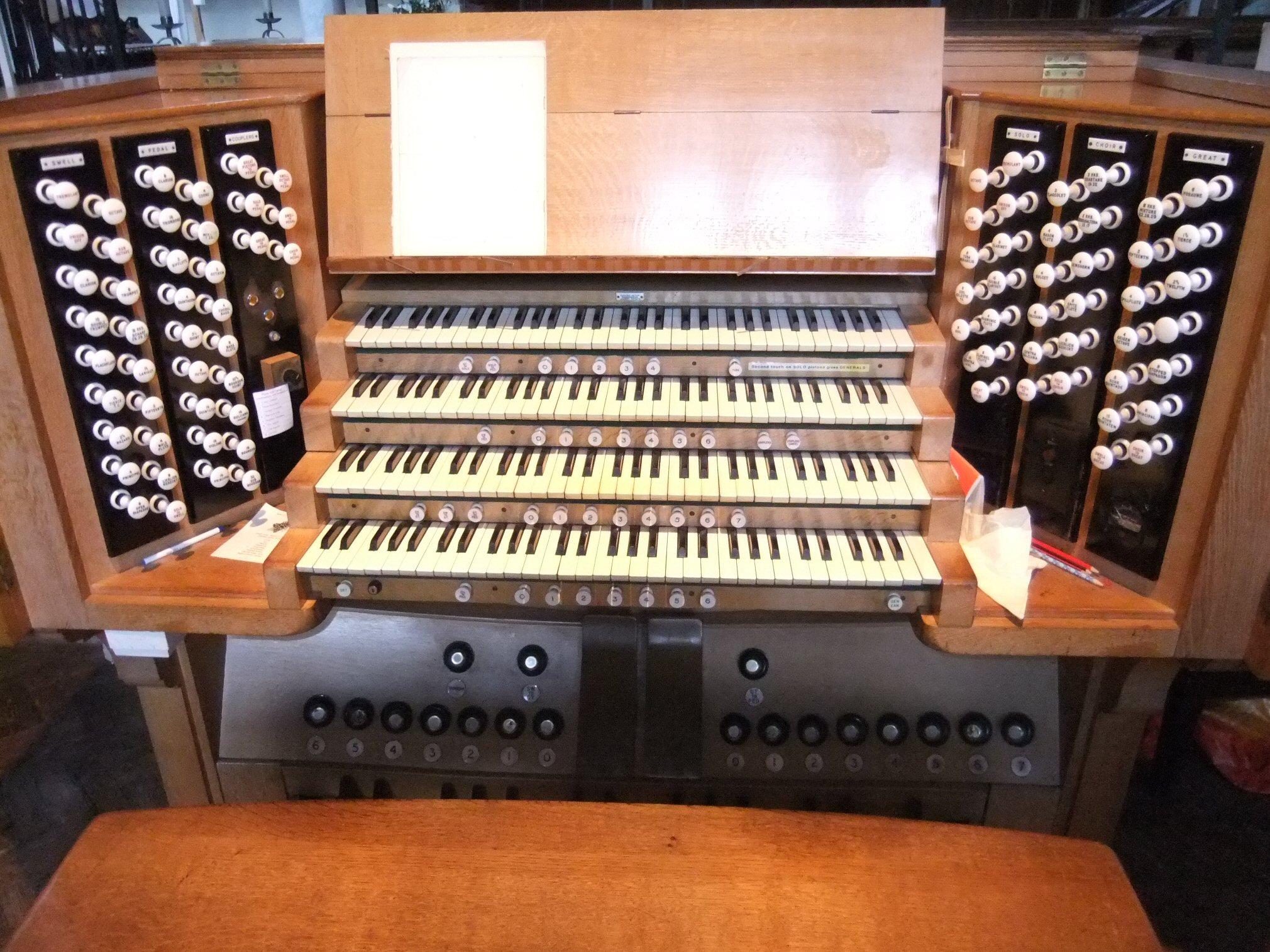 Glos-Cheltenham-Christ-Church-032[1]