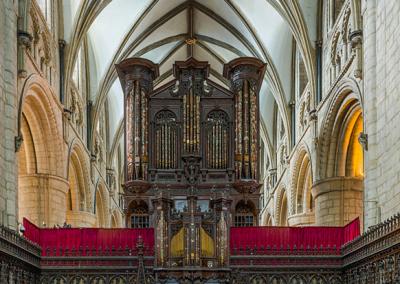 Gloucester_Cathedral_organ-header-3